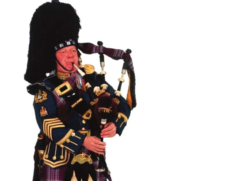Stories from 34 years of Canadian military piping go into new book